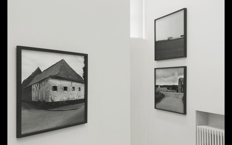 Vues partielles de l'exposition « Transfrontalière »