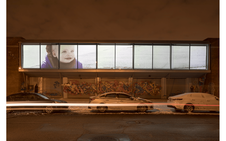 Vue partielle de l'exposition Resilient Images à l'Hyde Park Art Center