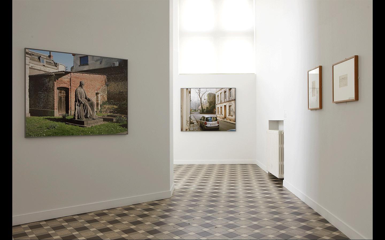 Vue partielle de l'exposition  « Des Terrains / Temps zéro »