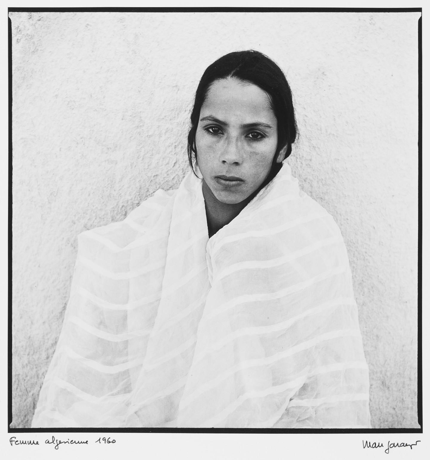 marc-garanger-1935-france-femme-algerienne-2-1960-275-x-268-cm