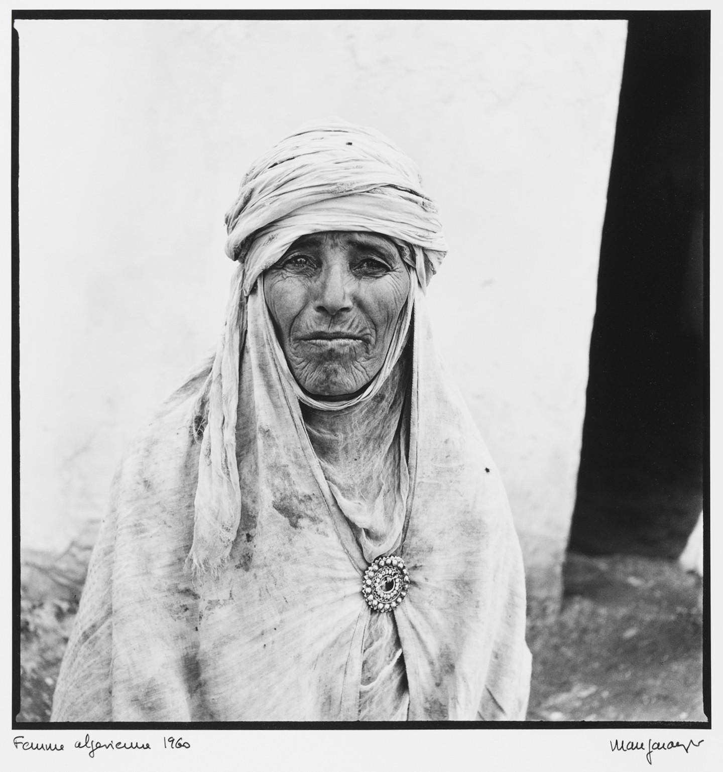 marc-garanger-1935-france-femme-algerienne-4-1960-275-x-268-cm